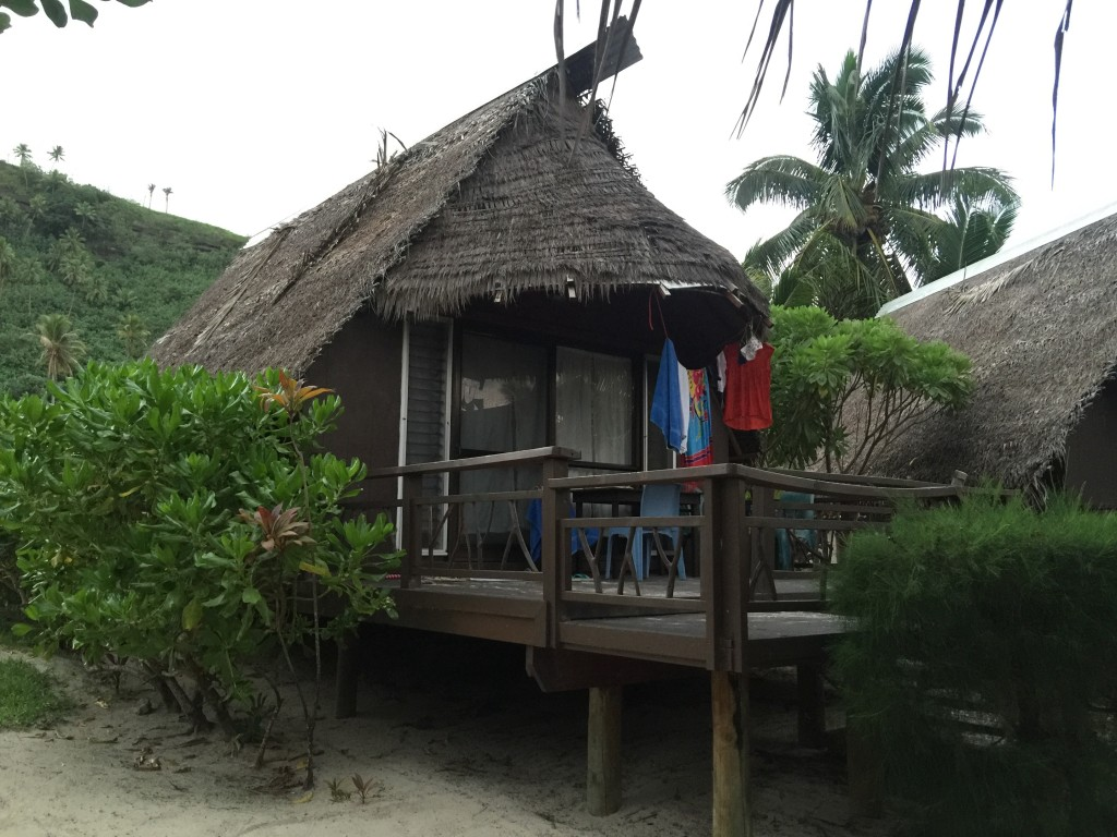 Paradise Cove Lodges Hut